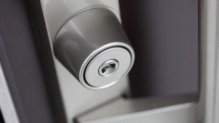 鍵がささるが回らない 玄関ドアが開けられない原因と対処 トラブル事例