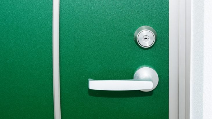賃貸マンション玄関ドア鍵閉じ込め開錠