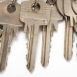 汚れた鍵が原因で鍵が途中までしか入らない
